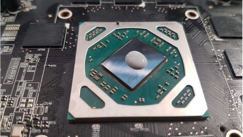 Image of placing the Thermal paste in GPU